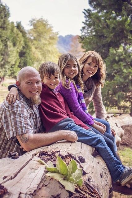 family-838239_640
