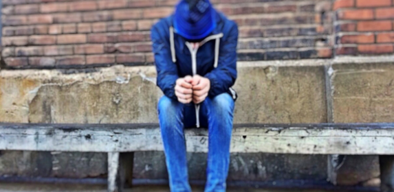 Homeless-SAD-DEPRESSED-LONELY-HELP-PIXABAY
