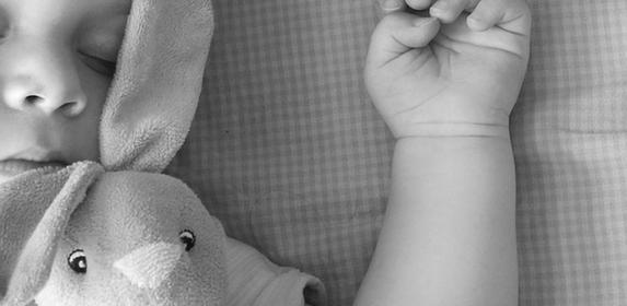 SLEEP-BABY-CHILD-BEDTIME-BED-KID-MOTHERHOOD-PIXABAY