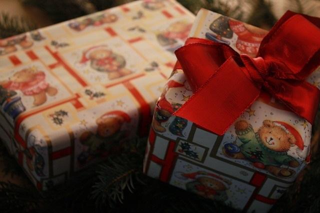 Christmas-Gifts-PIXABAY