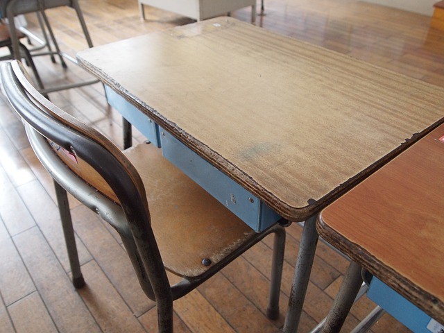 school-375976_640-Pixabay-desk-classroom-absent-student-class-learn-education