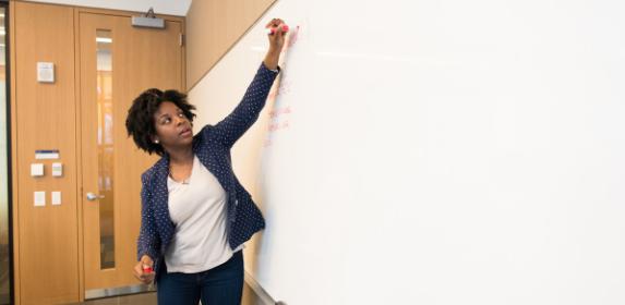 teacher-education-classroom-teach-learn-student-canva photo-can reuse