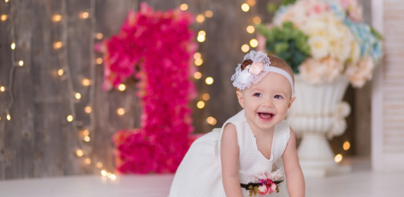 baby-first-birthday-child-girl-daughter-canva photo-can reuse