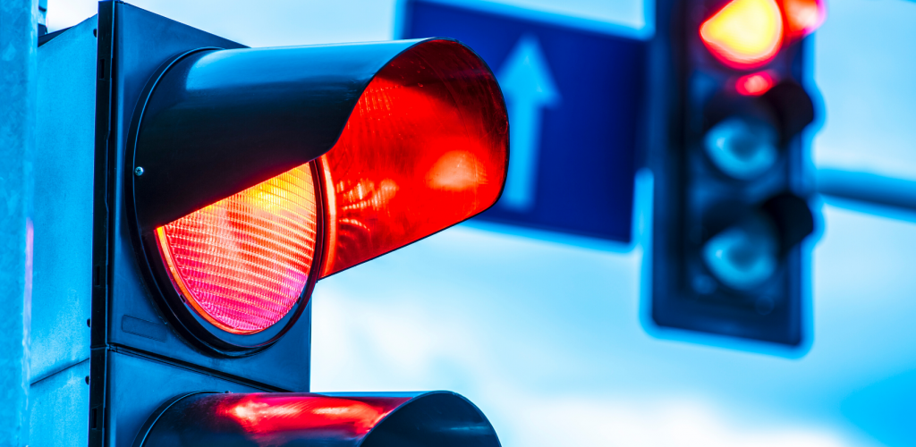traffic-light-drive-road-car-travel-canva photo-can reuse