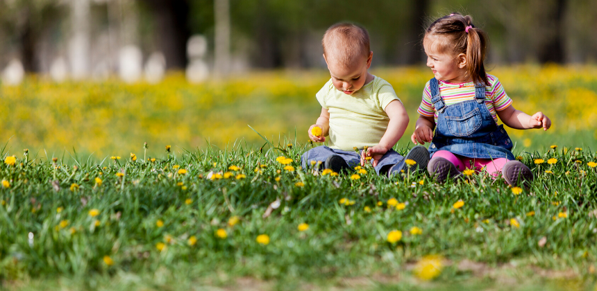 Spring-summer-warm-twins-babies-kids-children-child-baby-daughter-son-canva photo-can be reused