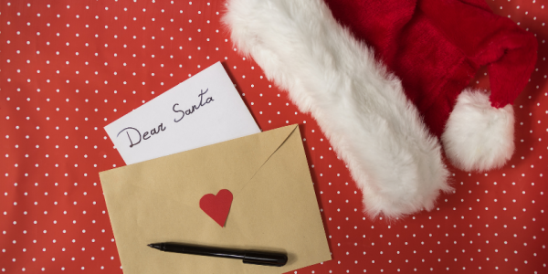 christams-holiday-santa-letter-mail-canva photo-can reuse
