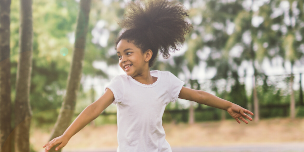 girl-happy-play-laugh-outside-summer-child-kid-canva photo-can reuse