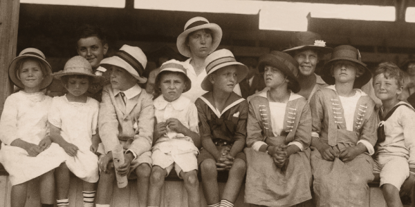 old fashioned-black and white-1920s-children-families-kids-moms-mother-canva photo-can reuse-history