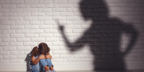 parent-angry-child-dicipline-argue-sad