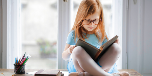 reading-girl-learn-education-study-child-kid-canva photo-can reuse